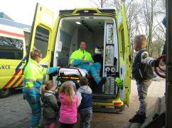 ambulance-bij-groep-1-en-2-051
