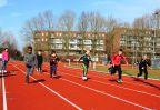 Bezoek groep 1 t_m 5 aan atletiekbaan081
