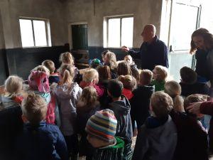 Groep 1-2 op bezoek bij kinderboerderij 004